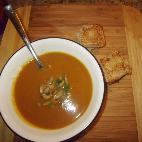 Pumpkin Soup with bread
